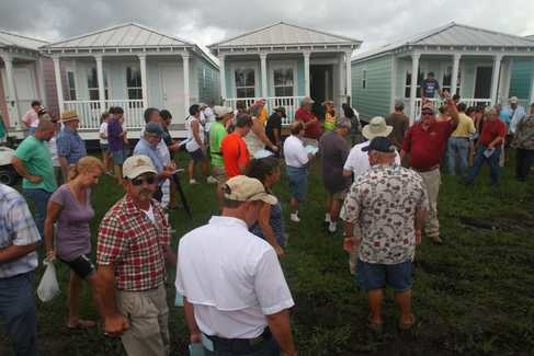 Mississippi auctions remaining katrina cottages gulfport for Katrina house cost
