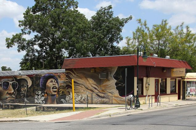 Census tracts in East Austin are among the most rapidly gentrifying in the country. (Photo: Larry D. Moore / Creative Commons)