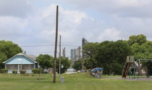 Hillcrest residents live next door to one of the highest concentration of refineries in the nation. Photo by Rachel Denny Clow via Texas Observer.